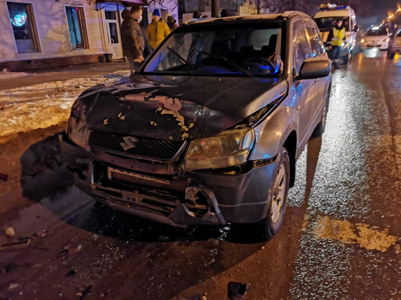 Спешащая иномарка в Тверской области собрала в кучу еще две машины