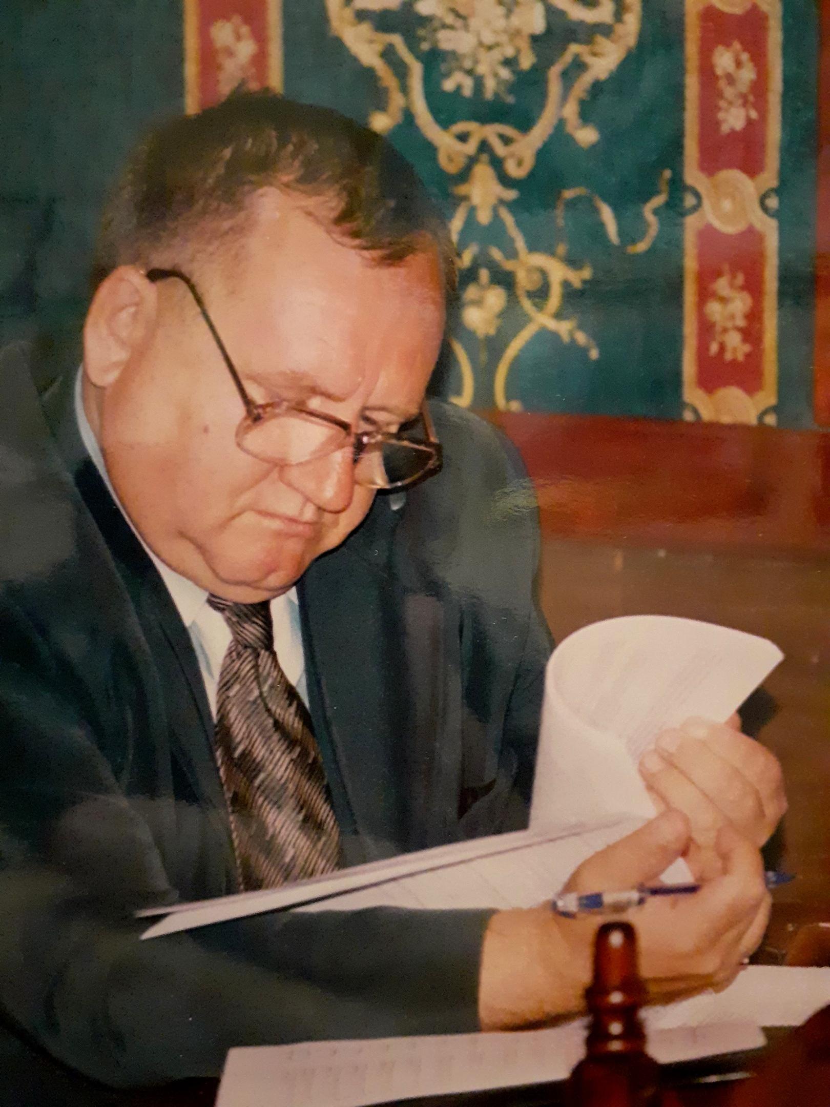 Бывший главный казначей Тверской области рассказал про династию, сны и хоккей