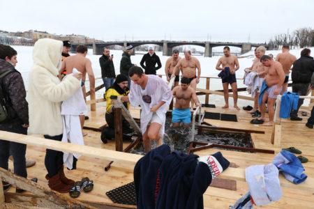 Крещенские купания 2021 в Твери: всё, что нужно знать желающим окунуться