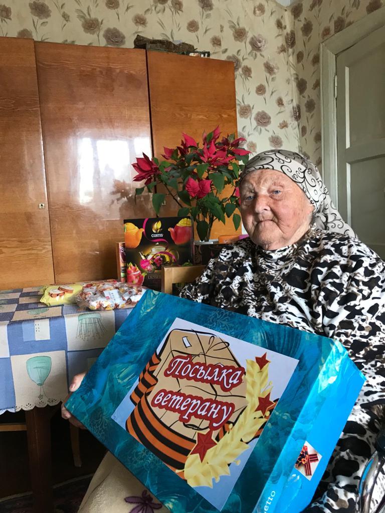 Губернатор Игорь Руденя поздравил со столетием фронтовичку Нину Пономарёву
