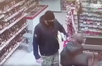 В Тверской области покупатели устроили бой без правил из-за маски