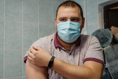 Почти 9 тысяч жителей Тверской области сделали прививку от коронавируса