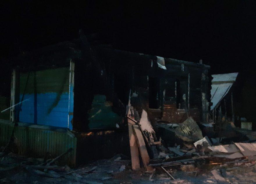 Мать девочки, погибшей при пожаре в Тверской области, пила накануне трагедии