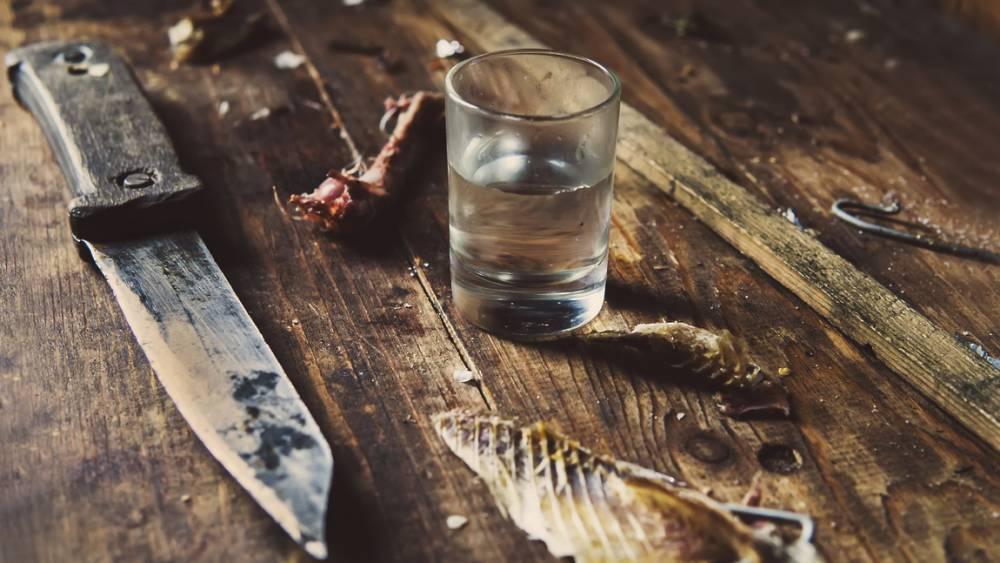 Житель Тверской области насмерть пырнул ножом собутыльника