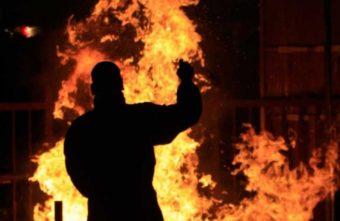В деревне Приворот Тверской области пенсионер пытался сжечь баню девушки