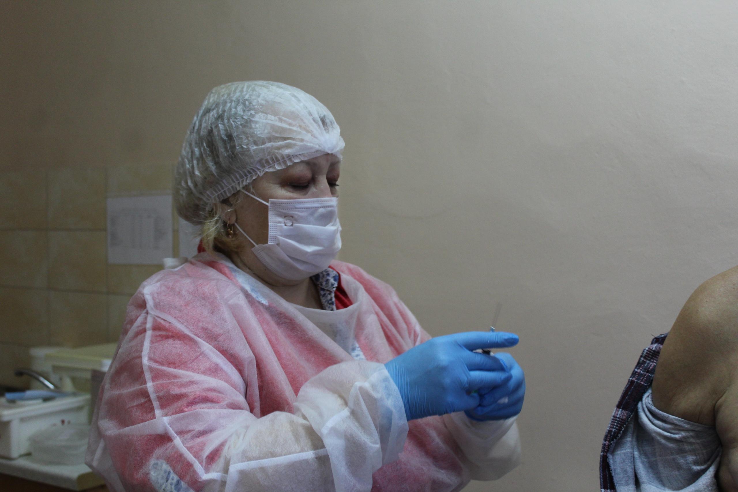 В Лихославльском районе началась вакцинация от коронавируса