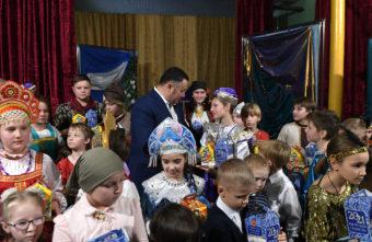 Губернатор Игорь Руденя поздравил с Рождеством Христовым учеников Тверской епархиальной школы