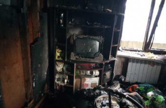 Опубликовано фото пожарища в Тверской области, откуда вытащили девочку