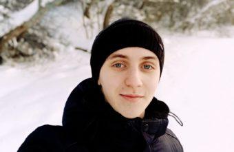 Пианист из Тверской области променял музыку на четырёх девушек