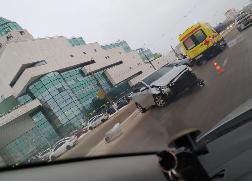 Тройное ДТП произошло в центре Твери, есть пострадавшая
