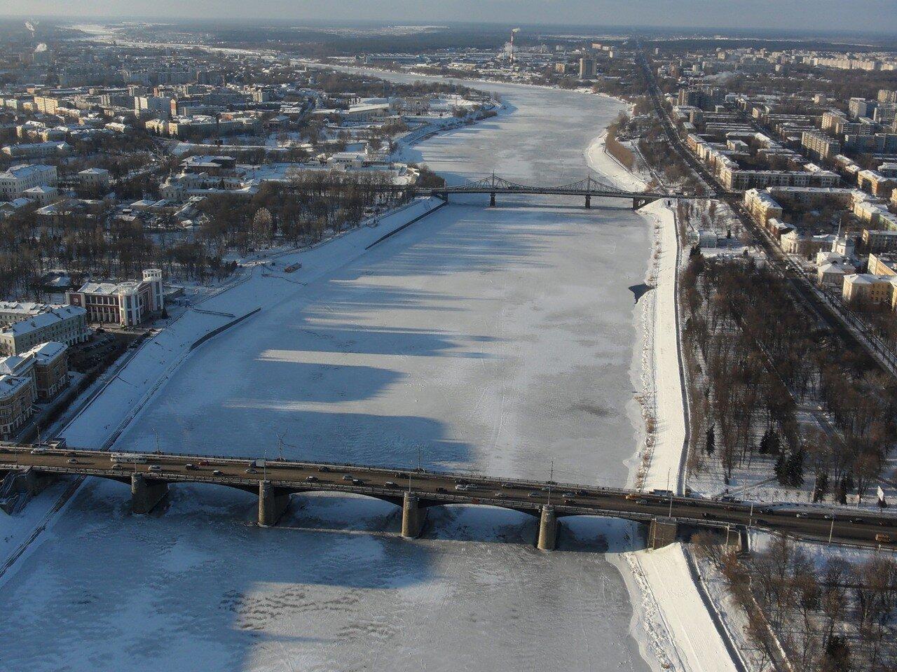 Мужчина, упавший с Нового моста в Твери, не выжил