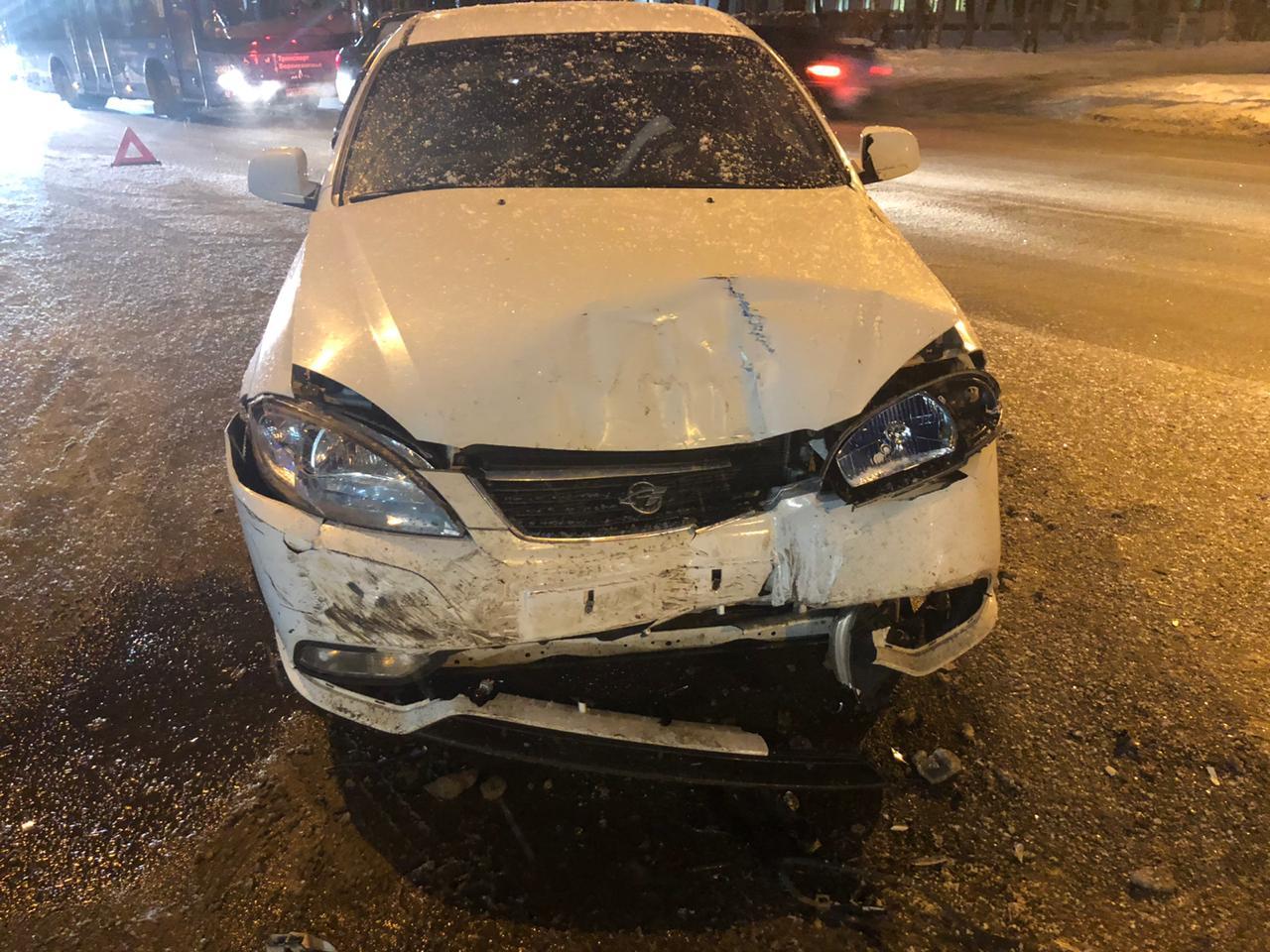 Два человека пострадали в ДТП в центре Твери