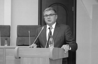 Погибшего в ДТП спикера Ярославской думы похоронят в Тверской области