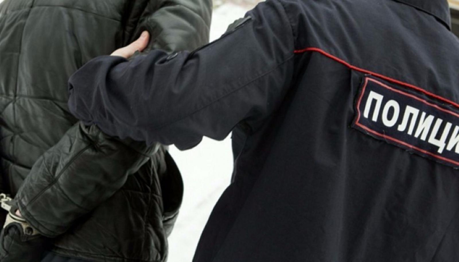 На суде сказал, что больше так не будет. 1 января житель посёлка 1-е Мая Конаковского района, напившись, вышел на улицу и начал буянить: громко ругаться матом и размахивать руками. На такое