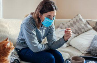 Врач назвал тверичанам главную ошибку при лечении коронавируса на дому