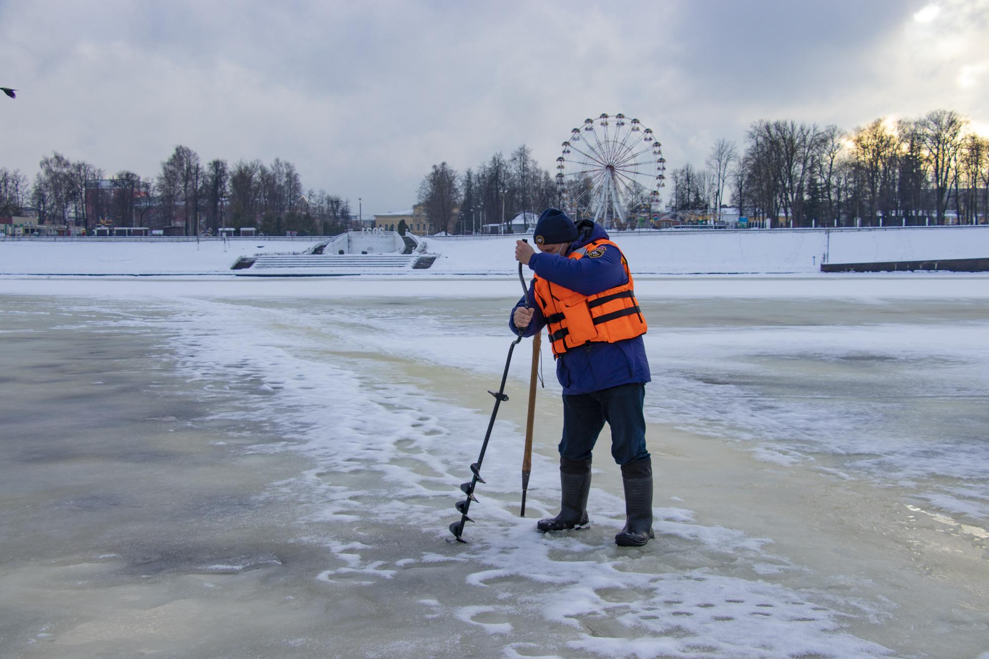 Тверских рыбаков предупредили об опасности нестабильного льда