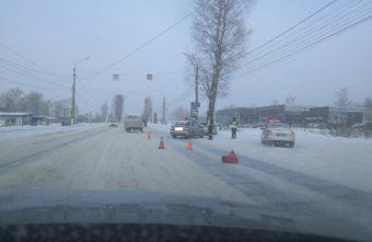 """Два """"Хёндая"""" столкнулись на Московском шоссе в Твери"""