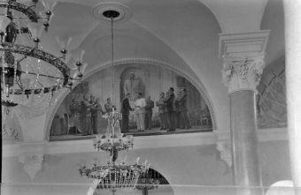 Опубликовано фото исчезнувшей фрески со Сталиным в тверском драмтеатре