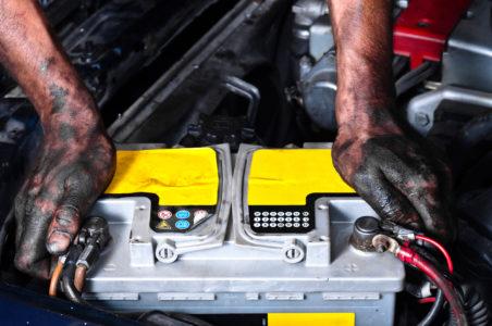 Работник тверского автосервиса украл пять аккумуляторов на 50 тысяч