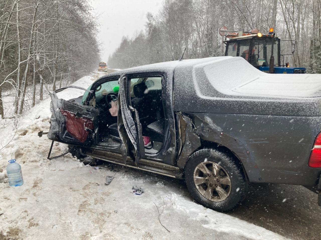 Женщина-водитель пострадала в тройном ДТП в Тверской области