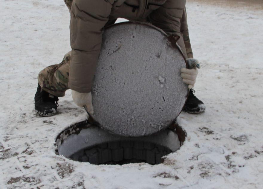 Житель Тверской области воровал люки и сдавал в металлолом