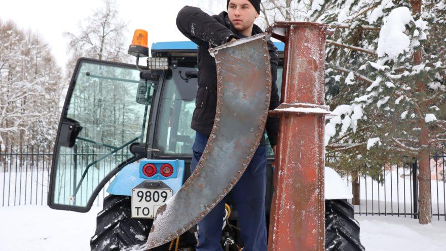 Тверские студенты собрали снегомёт для защиты диплома: видео