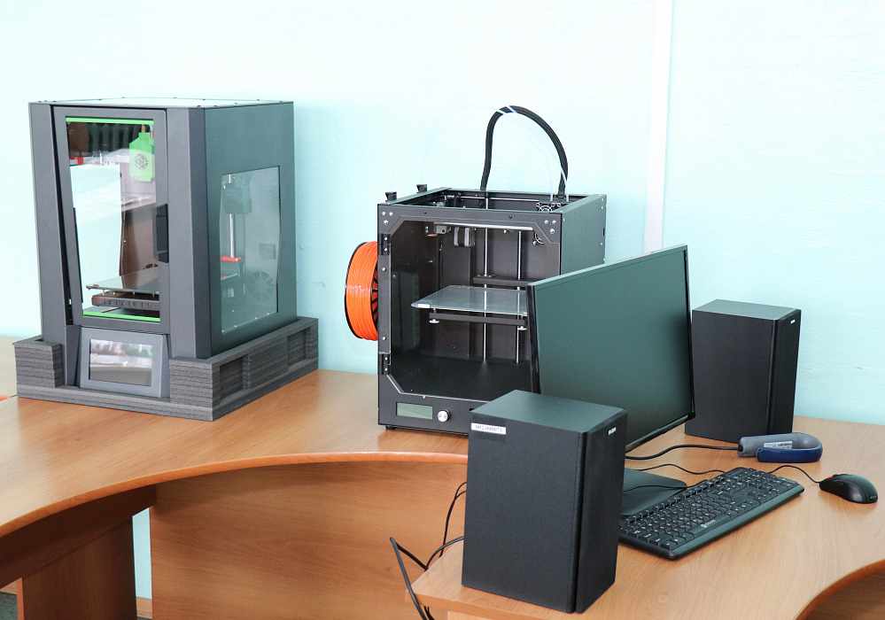 В торопецкой школе появились 3D-принтеры и компьютерная акустика