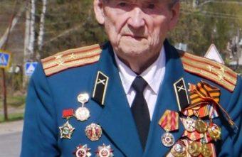 Губернатор Игорь Руденя поздравил с юбилеем фронтовика Алексея Тятькина