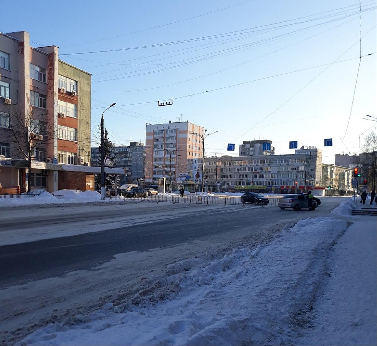 В Твери из-за прорыва перекрыли улицу Дарвина