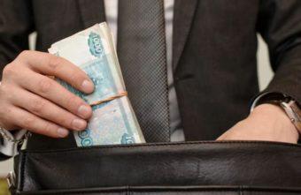 """В Тверской области директор """"сэкономил"""" на материалах 5,5 миллионов рублей"""