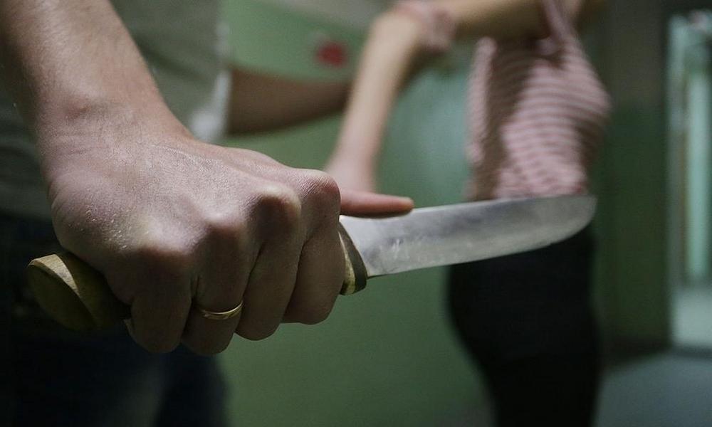 В Тверской области мужчина зарезал приятеля, приревновав к нему жену