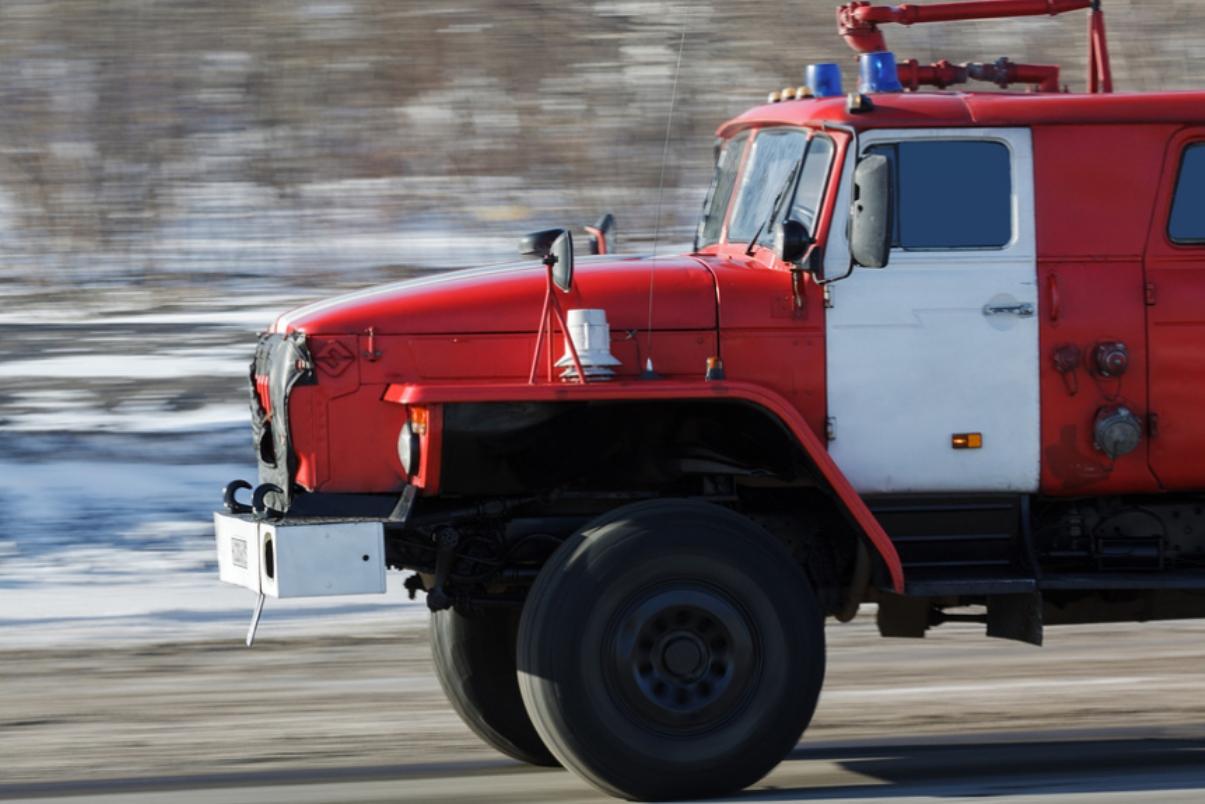 Огонь полностью уничтожил деревенский дом в Тверской области