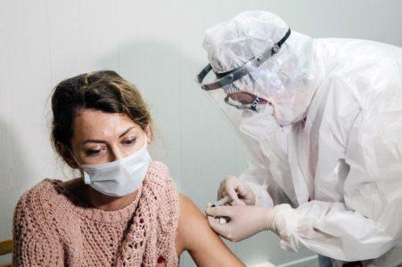 Уже больше 23 тысяч жителей Тверской области сделали прививку от коронавируса