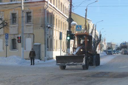 В Твери начнут чистить районные улицы после уборки главных магистралей