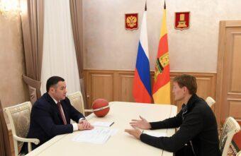 Мяч в игре: эксклюзивные фото со встречи Игоря Рудени и Андрея Кириленко