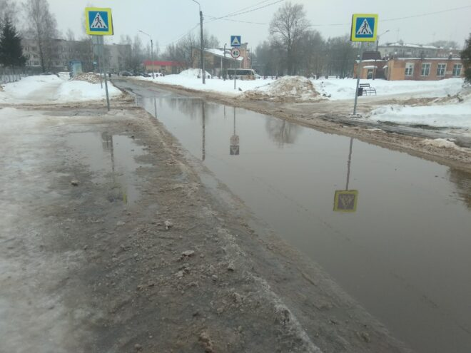 Остаться на плаву: Тверскую область затопили растаявшие сугробы