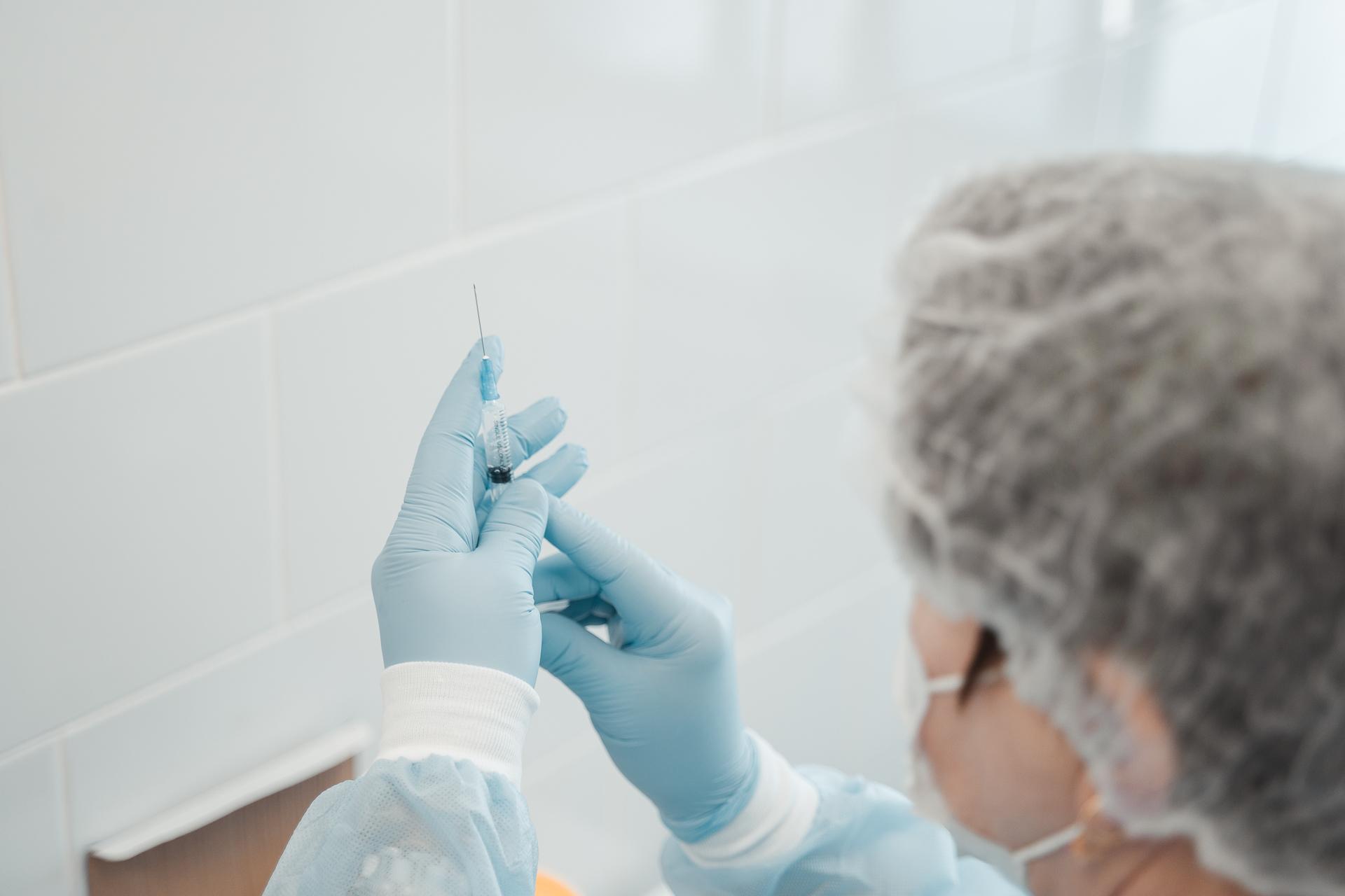 Почти 47 тысяч жителей Тверской области привились от коронавируса