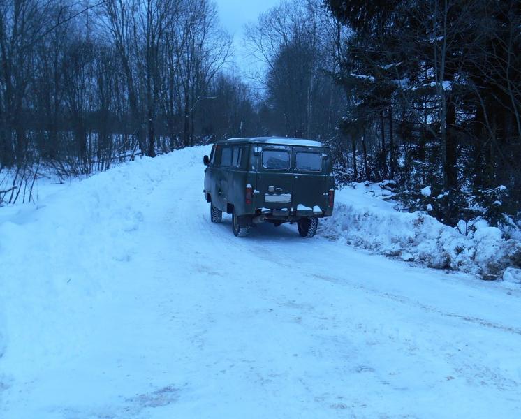 Разделанную тушу лося вёз на снегоходе браконьер из Тверской области