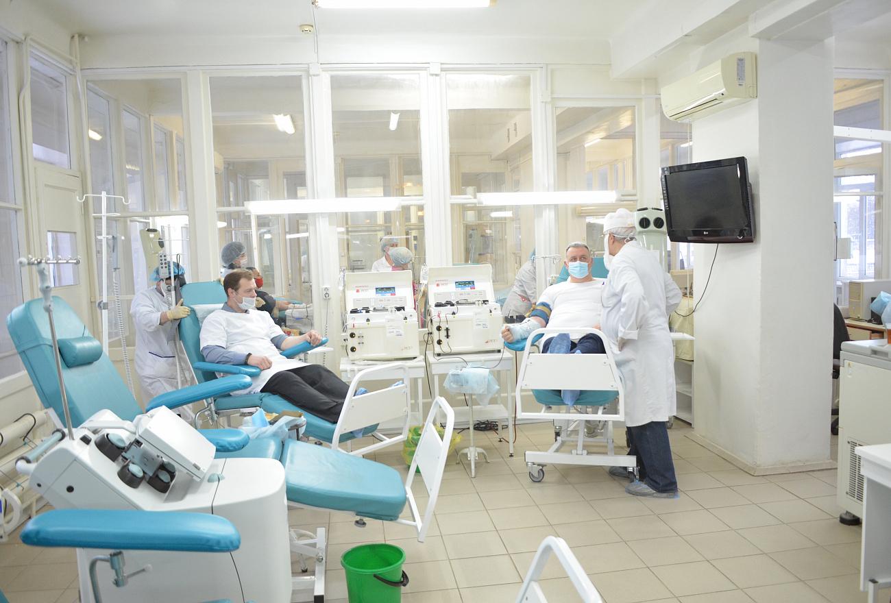 16 литров плазмы сдали переболевшие коронавирусом жители Тверской области
