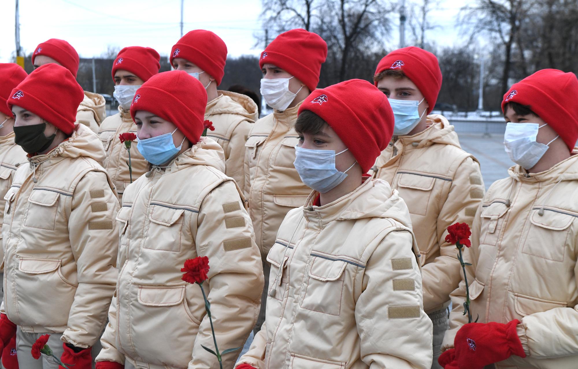 Игорь Руденя возложил цветы к Обелиску Победы в день 78-й годовщины разгрома фашистов под Сталинградом