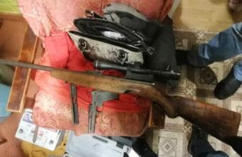 Арсенал оружия и боеприпасов хранил в шкафу житель Тверской области