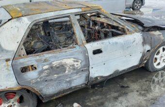 Ночью иномарка сгорела в микрорайоне Мамулино в Твери