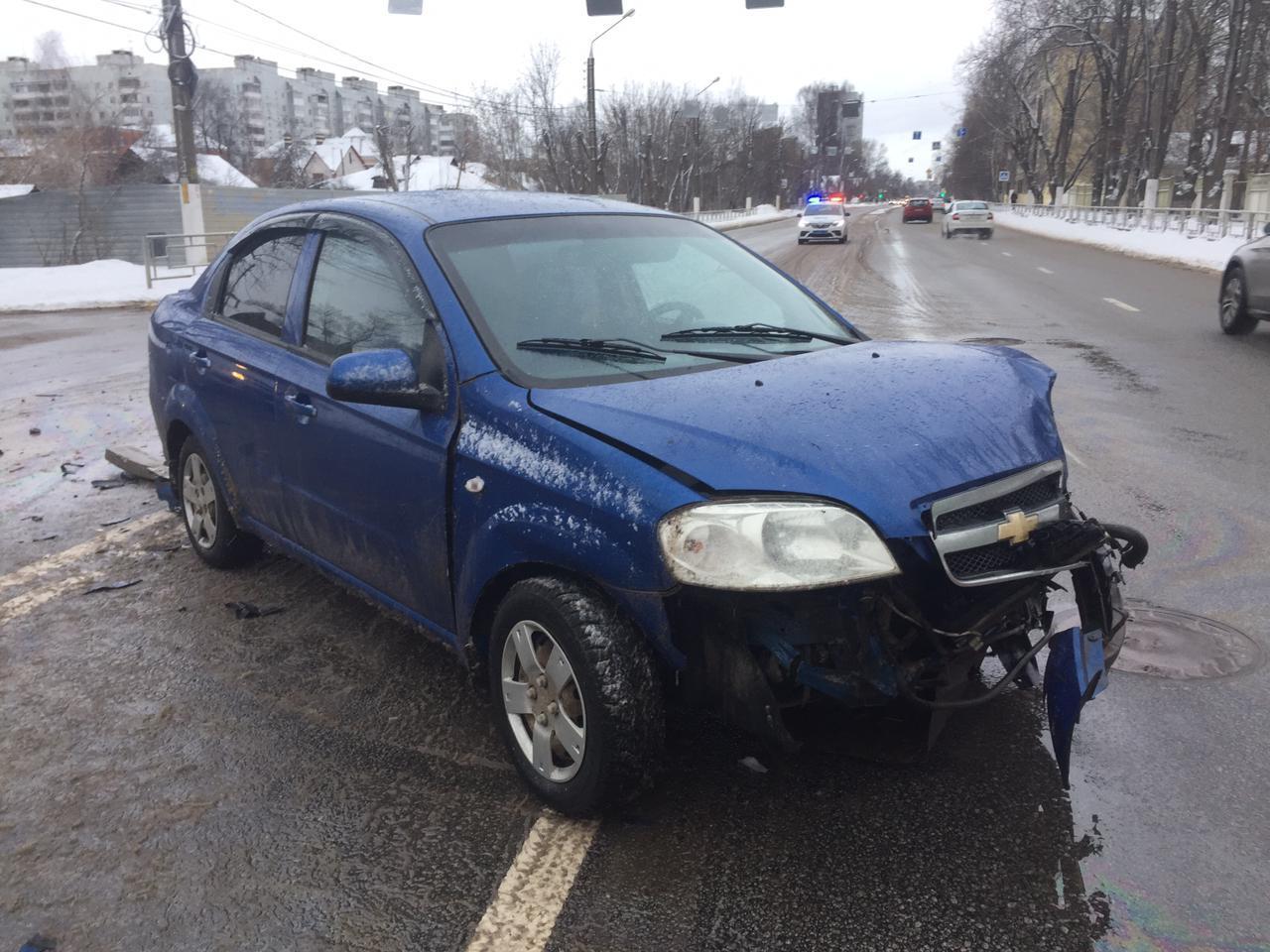 Два ребенка попали в больницу после аварии в Твери