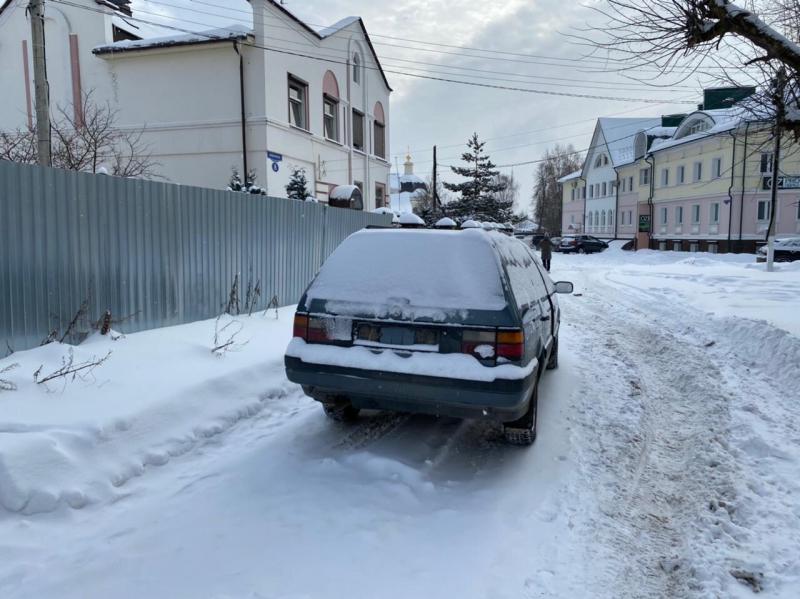 Пьяный водитель с пакетом наркотиков попался госавтоинспекторам в Твери