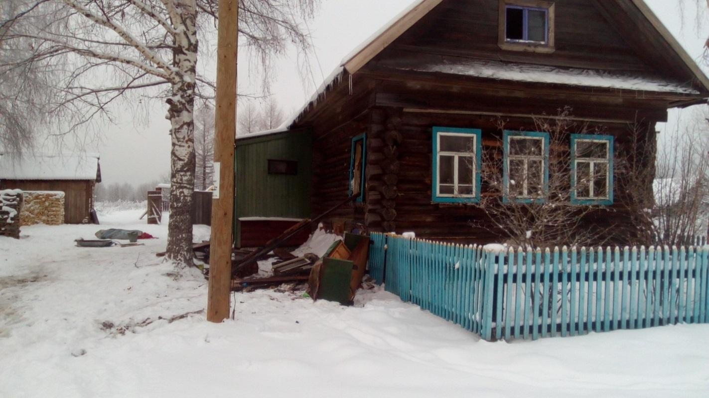Тело мужчины в обгоревшей одежде нашли в Тверской области