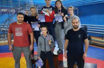 Юная тверская спортсменка взяла золото по борьбе на Первенстве ЦФО