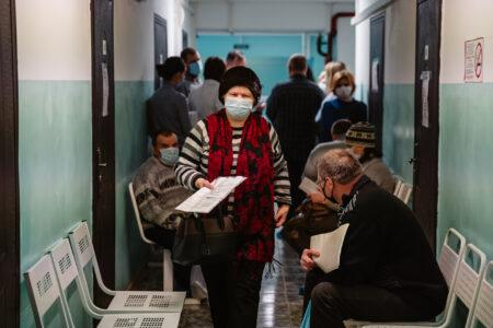 В Тверской области прививку против коронавируса сделали больше 73 тысяч человек