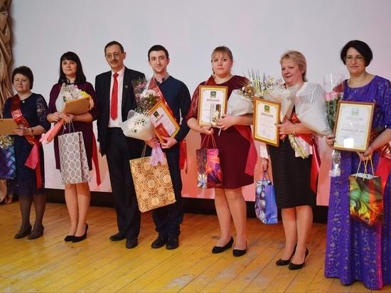 В Оленинском муниципальном округе выбрали воспитателя и учителя года