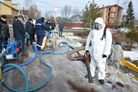 В Твери тренируются спасать граждан от подтоплений