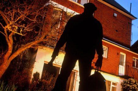 В Тверской области поймали домушников, которые вынесли из квартиры всё
